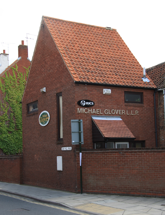 Michael Glover LLP – 15, Ladygate, Beverley, East Yorkshire, HU17 8BH – 01482 863747